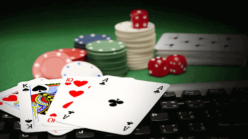legal poker online keyboard with cards